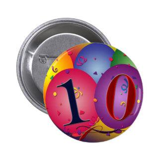 10 year old birthday balloons! 6 cm round badge