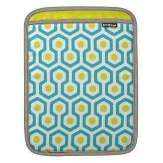 Beehive Pattern White/Light Blue/Greenish Yellow iPad Sleeve