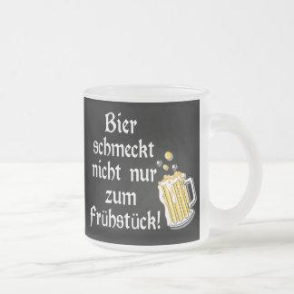 Bier schmeckt nicht nur zum Frühstück! Frosted Glass Mug