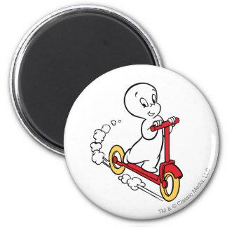 Casper Riding Scooter 6 Cm Round Magnet