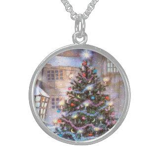 Christmas Tree Vintage Round Pendant Necklace