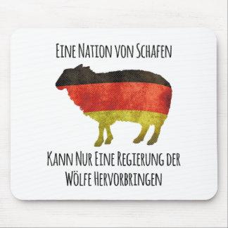 Eine Nation von Schafen kann nur eine Regierung .. Mouse Pad