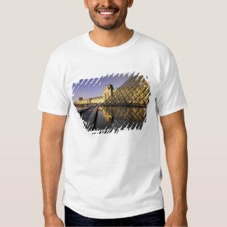 Europe, France, Paris. Le Louvre and glass Tshirt