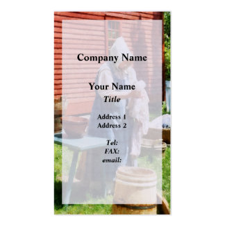 Lady Hanging Laundry Pack Of Standard Business Cards