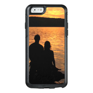 Lovers at Sunset Lake OtterBox iPhone 6/6s Case