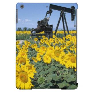 Na, USA, Colorado, Sunflowers, Oil Derrick iPad Air Cover