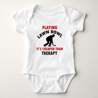 playing Lawn Bowl design T Shirt