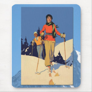 Skiing -On the piste Mouse Pad