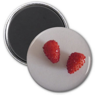 Strawberries as heart 6 cm round magnet
