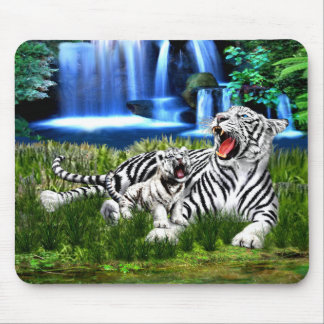 Teaching His Cub to Roar Mouse Pad