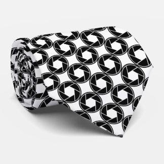 Tie/Aperture Lens Tie