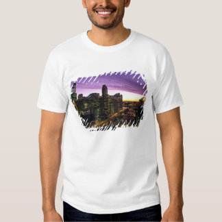 USA, IL, Chicago. Chicago skyline and river T Shirts